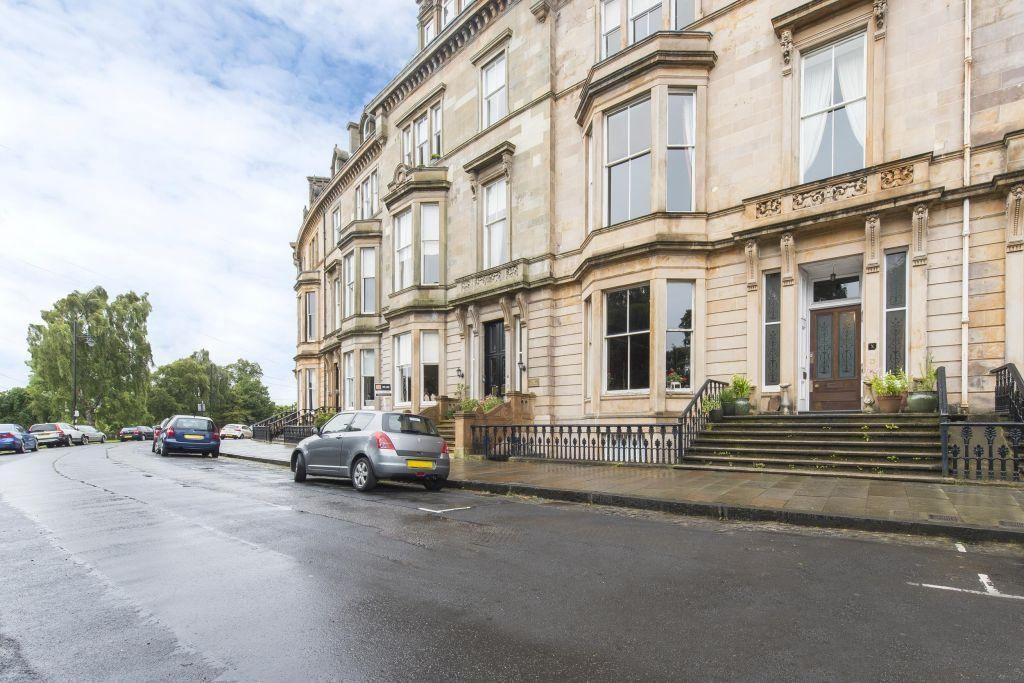 3 Bedrooms Flat for sale in 10A Park Terrace, Park, Glasgow, G3 6BY