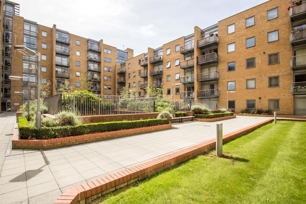 2 Bedrooms Flat for sale in Canary Central, E14