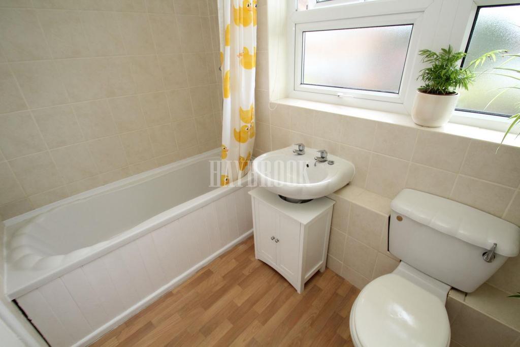2 Bedrooms Flat for sale in Oak Close, Flanderwell