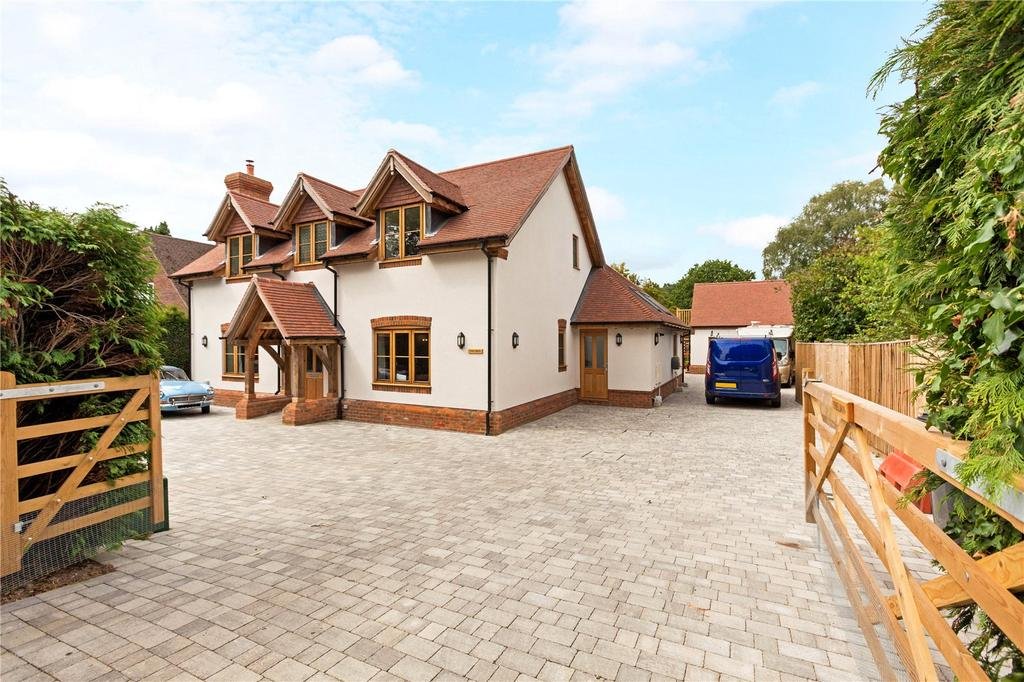 4 Bedrooms Detached House for sale in Goffs Hill, Crays Pond, RG8