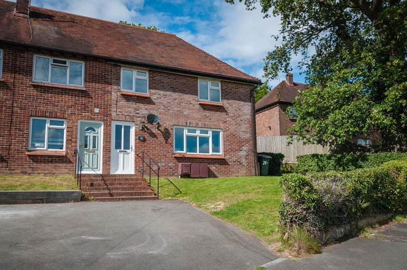 3 Bedrooms End Of Terrace House for sale in The Drive, Uckfield