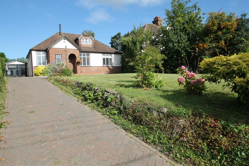 4 Bedrooms Detached House for sale in Castle Way, Leybourne, West Malling