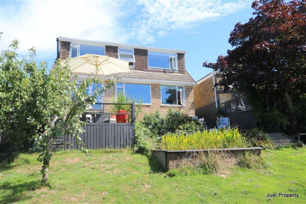 3 Bedrooms Detached House for sale in Gresham Way, St Leonards On Sea