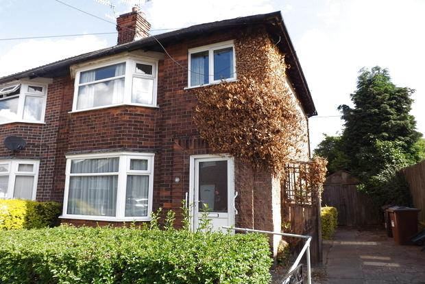 3 Bedrooms Semi Detached House for sale in Orville Road, Basford, Nottingham, NG5