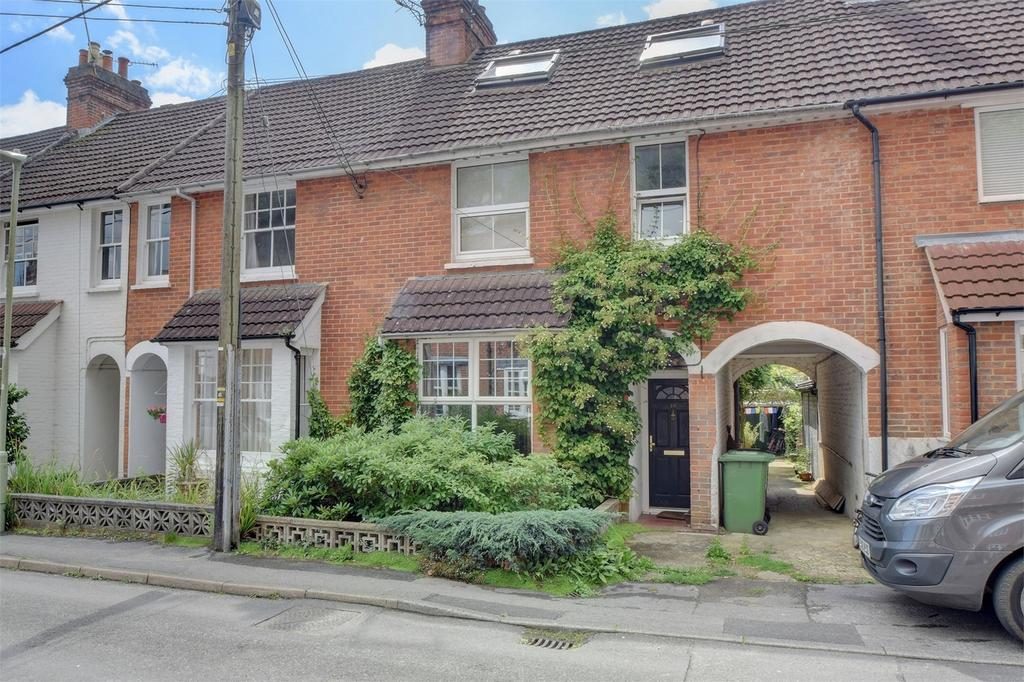 5 Bedrooms Terraced House for sale in Madeline Road, PETERSFIELD, Hampshire
