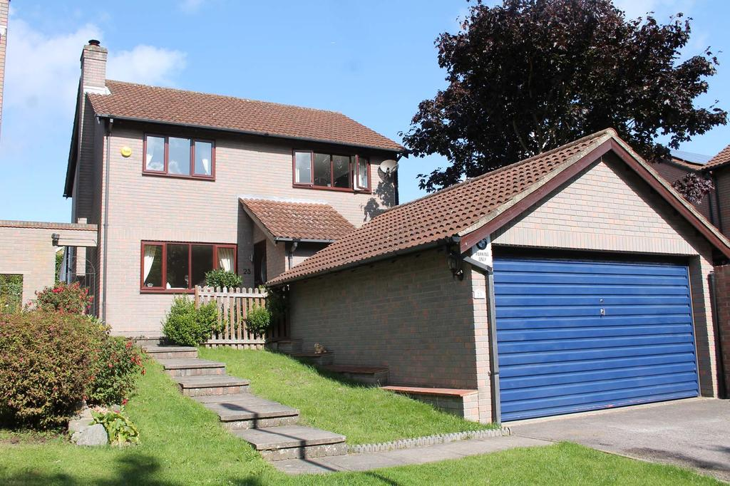 3 Bedrooms Detached House for sale in Old Garden Close, Locks Heath SO31