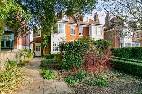 6 bedroom terraced house to rent - Hartington Road, Chiswick W4
