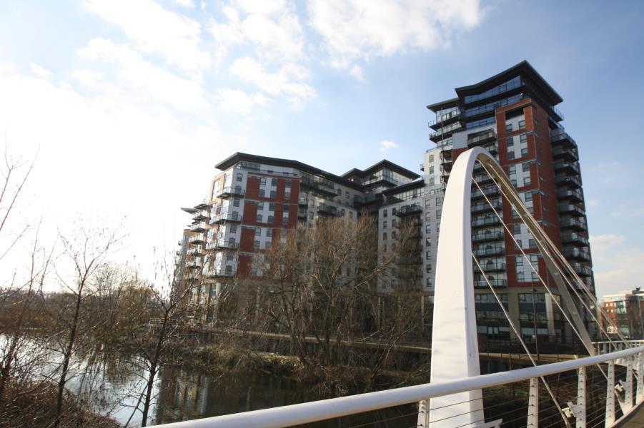 2 Bedrooms Apartment Flat for rent in WHITEHALL WATERFRONT, RIVERSIDE WAY, LEEDS, LS1 4EF