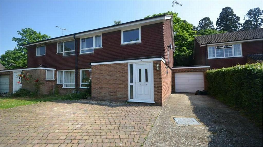 3 Bedrooms Semi Detached House for rent in Camberley, Surrey
