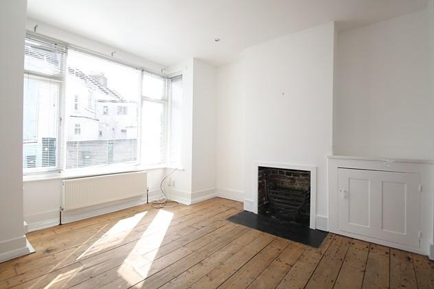 2 Bedrooms Terraced House for rent in Scarborough Road, Brighton, BN1