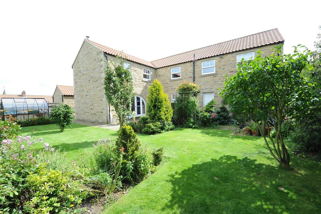 4 Bedrooms Detached House for sale in Harthorn Court, Aldbrough St. John, Richmond