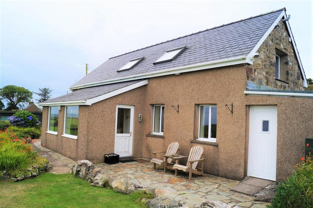 4 Bedrooms Detached House for sale in Garnfadryn