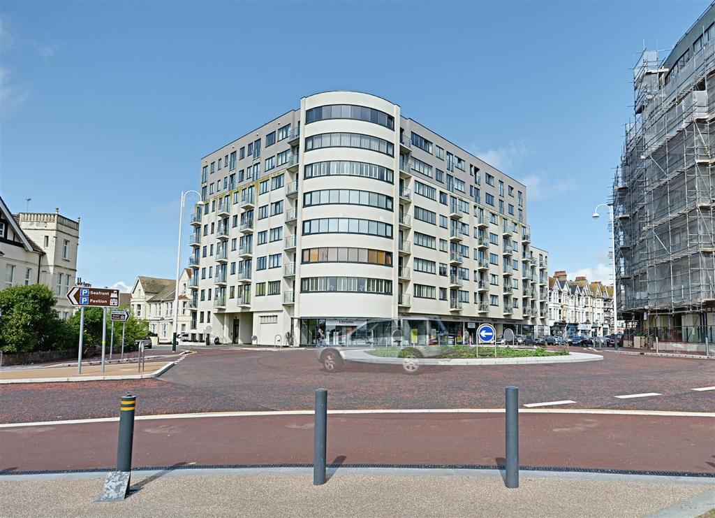 2 Bedrooms Flat for sale in Sackville Road, Bexhill-On-Sea