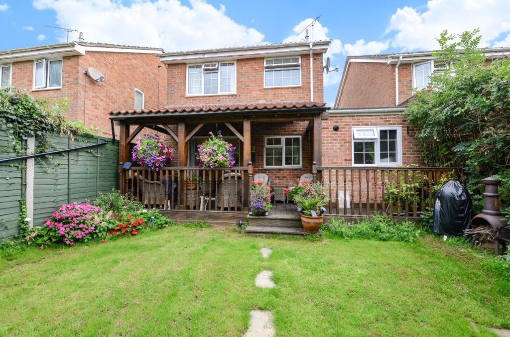 3 Bedrooms Semi Detached House for sale in Nursery Close Hurstpierpoint BN6