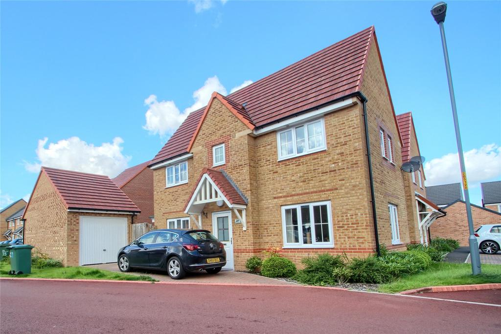 3 Bedrooms Semi Detached House for sale in Brock Close, The Elms