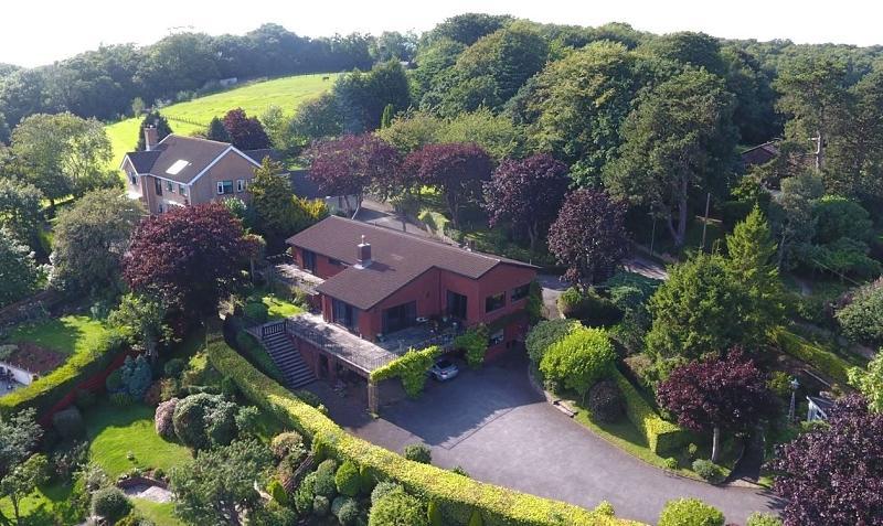 3 Bedrooms Detached House for sale in Nine Oaks, Twyncyn, Dinas Powys CF64 4AS