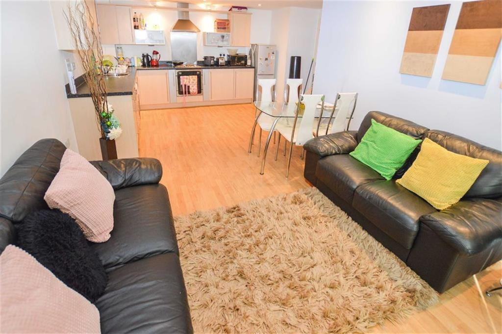 2 Bedrooms Apartment Flat for sale in Walker House, Salford Quays, M5