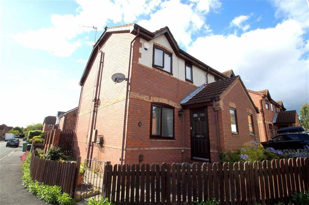 3 Bedrooms Semi Detached House for sale in Temple Lea, Leeds