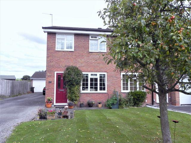 2 Bedrooms Semi Detached House for sale in The Riddings,Walmley,Sutton Coldfield