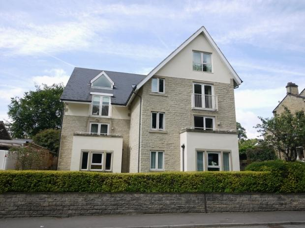 2 Bedrooms Penthouse Flat for sale in Bradford Road Brighouse