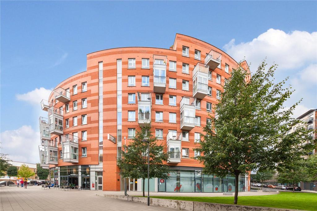 3 Bedrooms Flat for sale in Carronade Court, Eden Grove, London