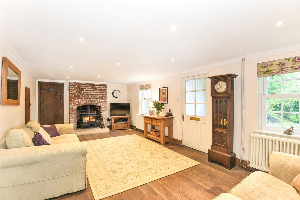 3 Bedrooms Semi Detached House for sale in Chapel Lane, Broad Town, Swindon