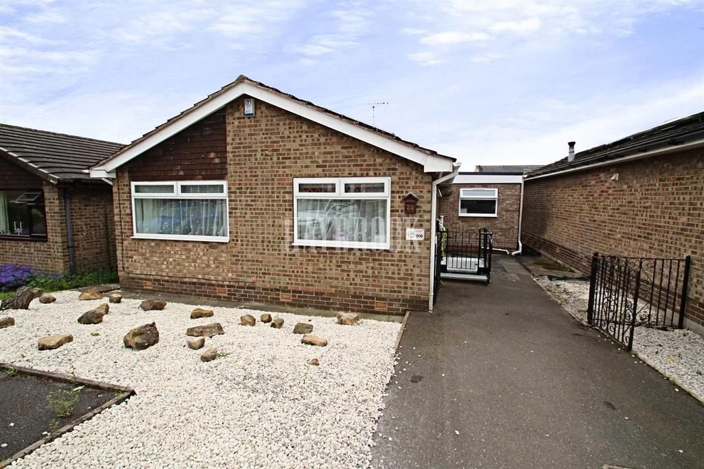 3 Bedrooms Bungalow for sale in Bentinck Drive, Chesterfield