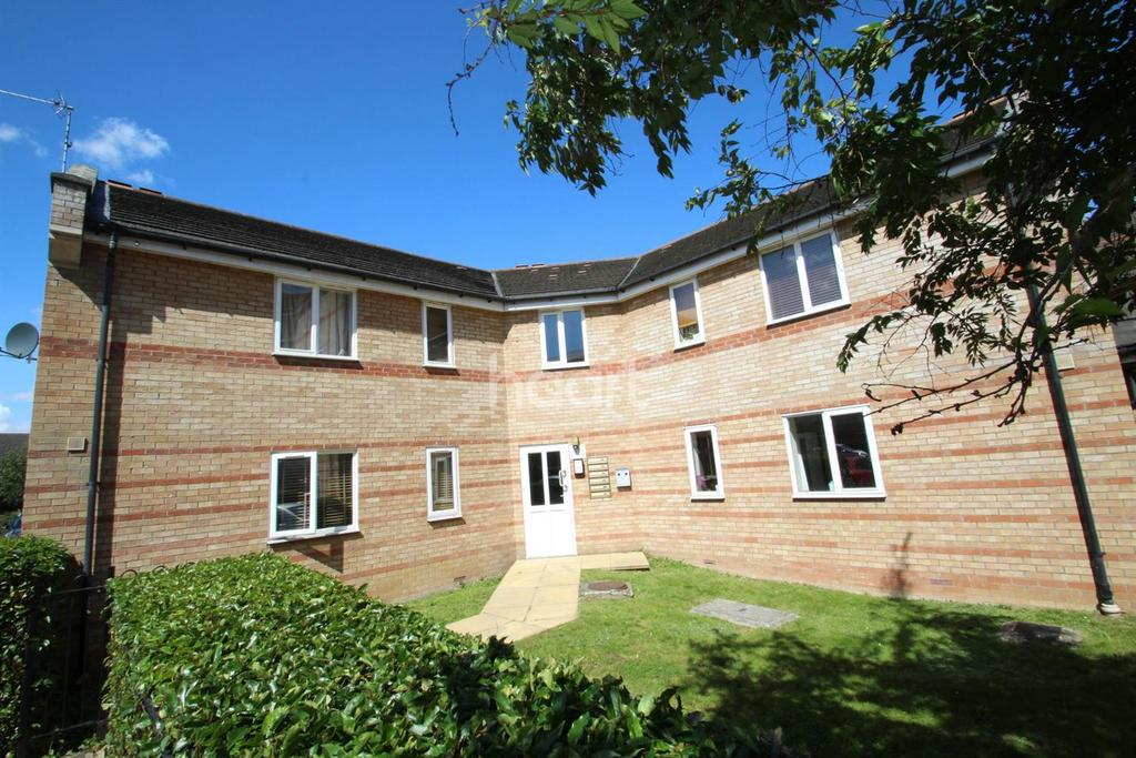 2 Bedrooms Flat for sale in Evelyn Place, Chelmsford