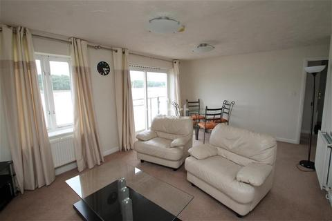 2 bedroom apartment to rent - Goldcrest Drive, ME4