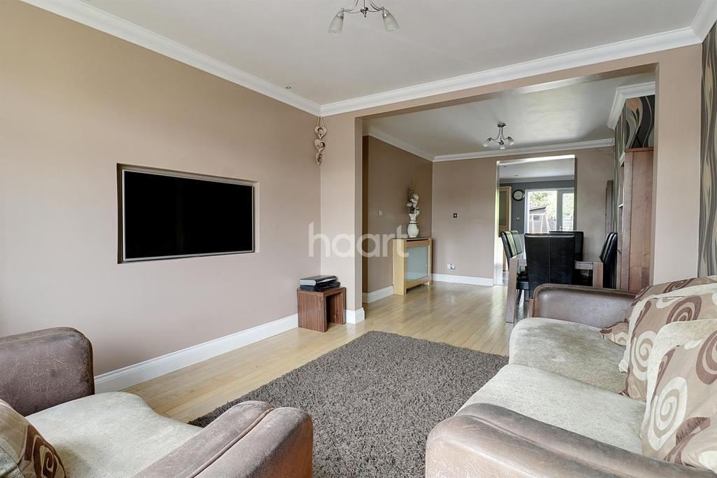 3 Bedrooms Semi Detached House for sale in Lincoln Avenue, Rush Green