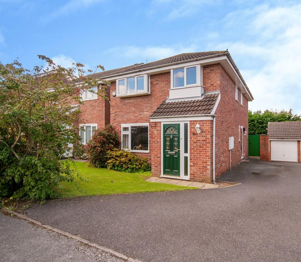 4 Bedrooms Detached House for sale in Elm Walk, Retford