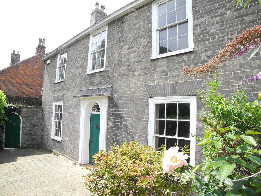 4 Bedrooms Detached House for sale in Upper Olland Street, Bungay