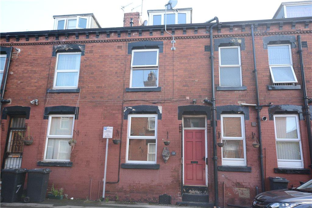 2 Bedrooms Terraced House for sale in Edgware Mount, Harehills, Leeds