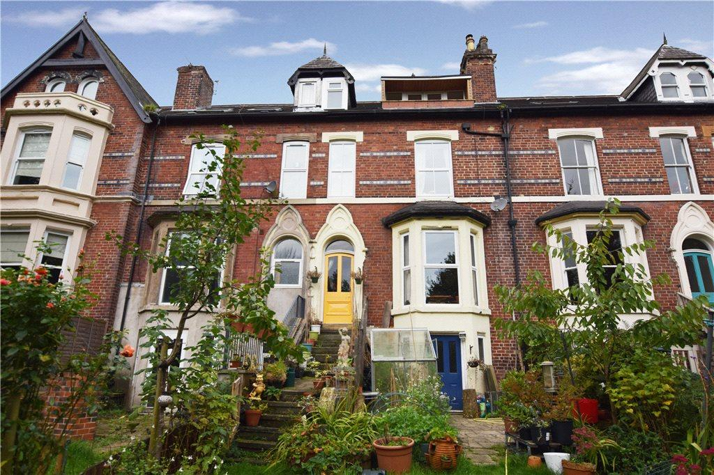 5 Bedrooms Terraced House for sale in Brookfield Road, Headingley, Leeds
