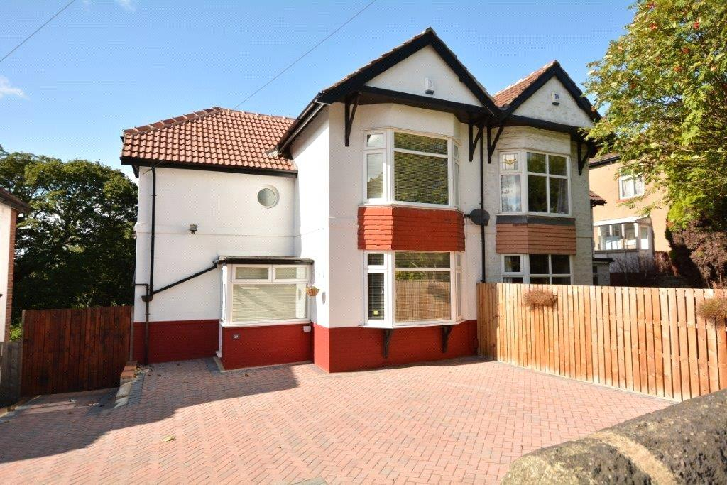 3 Bedrooms Semi Detached House for sale in Stonegate Road, Leeds, West Yorkshire