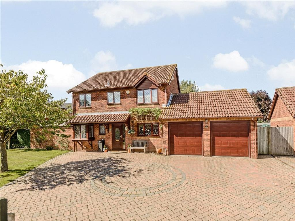 4 Bedrooms Detached House for sale in Hammond Close, Thatcham, Berkshire, RG19