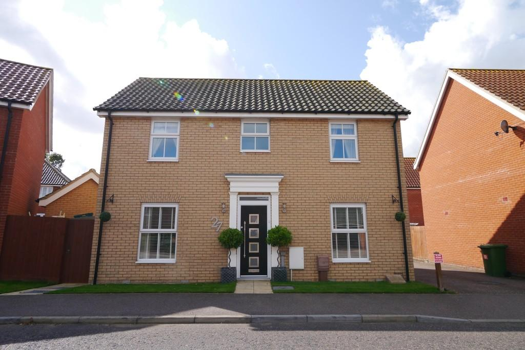 3 Bedrooms Detached House for sale in Ullswater, Carlton Colville, Lowestoft