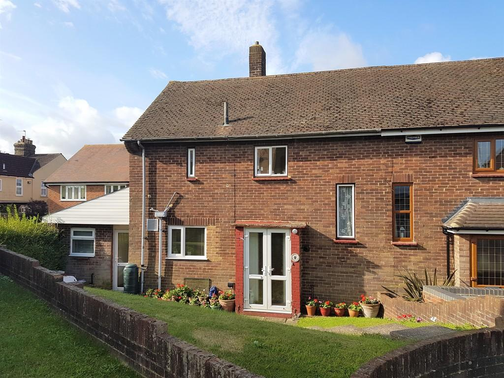 2 Bedrooms Semi Detached House for sale in Meadow Close, Upper Halling