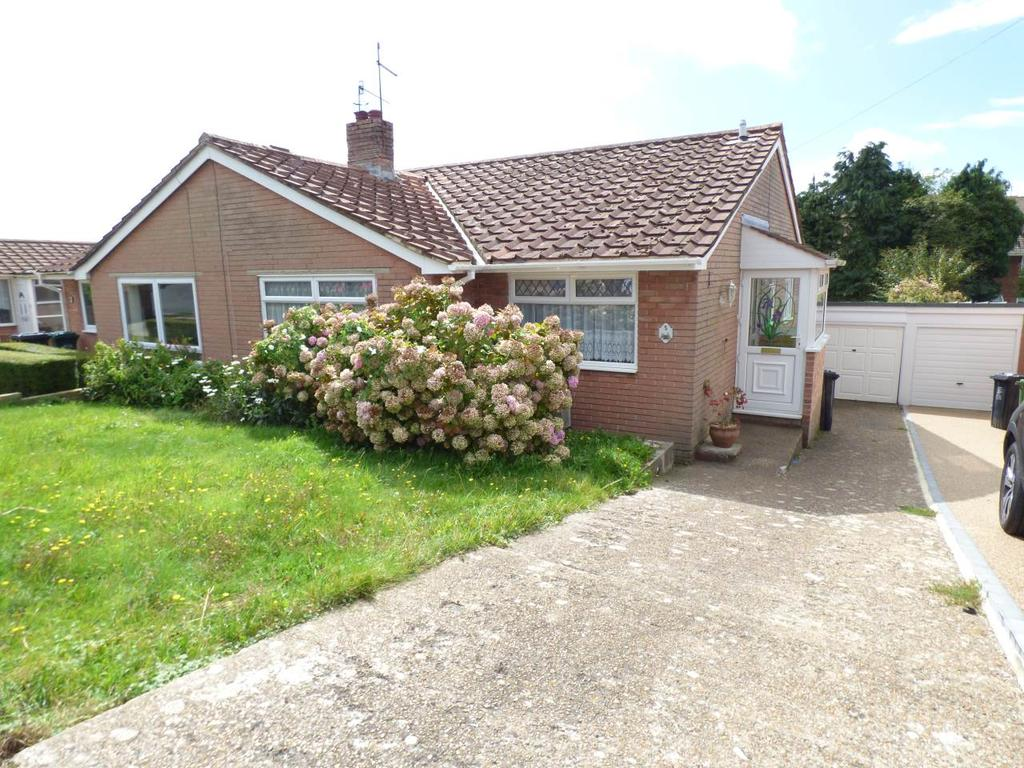 3 Bedrooms Semi Detached Bungalow for rent in Kevin Gardens, Woodingdean, Brighton
