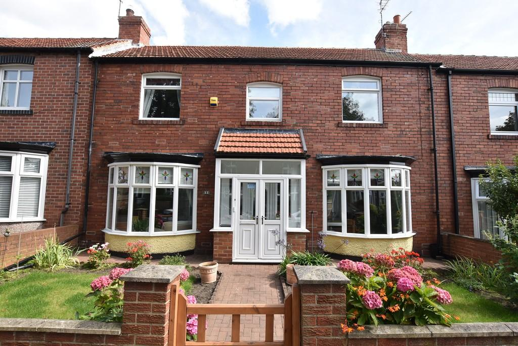 3 Bedrooms Terraced House for sale in Wingrove Avenue, Fulwell