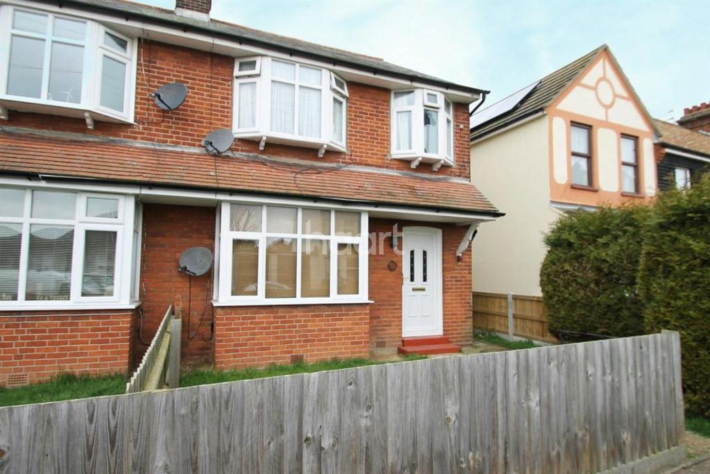 2 Bedrooms Maisonette Flat for sale in Clacton-on-sea