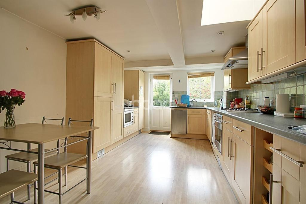 2 Bedrooms Terraced House for sale in Cavendish Road, Cambridge