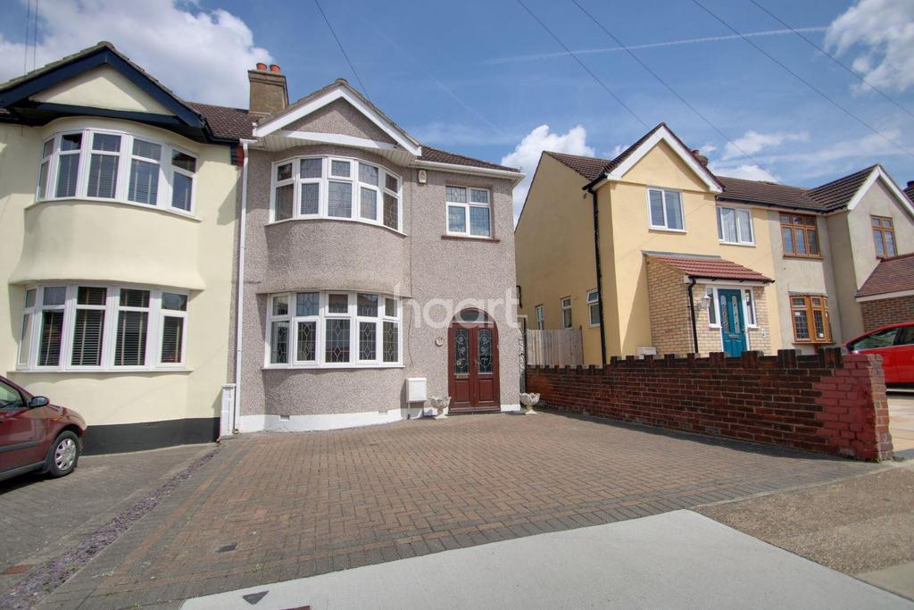 3 Bedrooms Semi Detached House for sale in GLEBE WAY