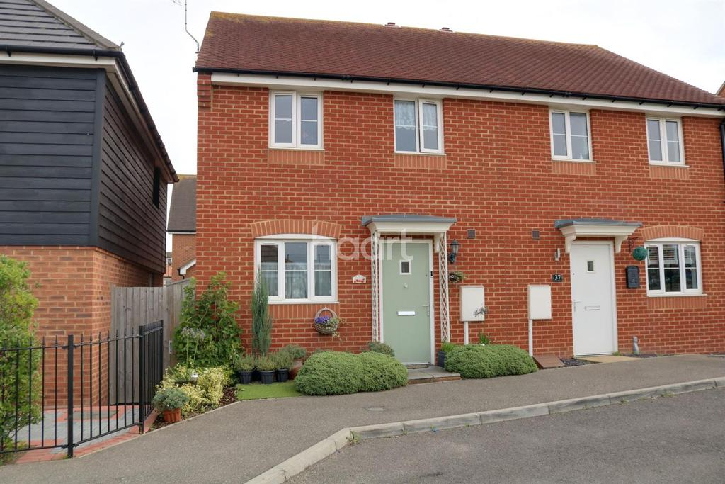3 Bedrooms Semi Detached House for sale in Aspen Drive