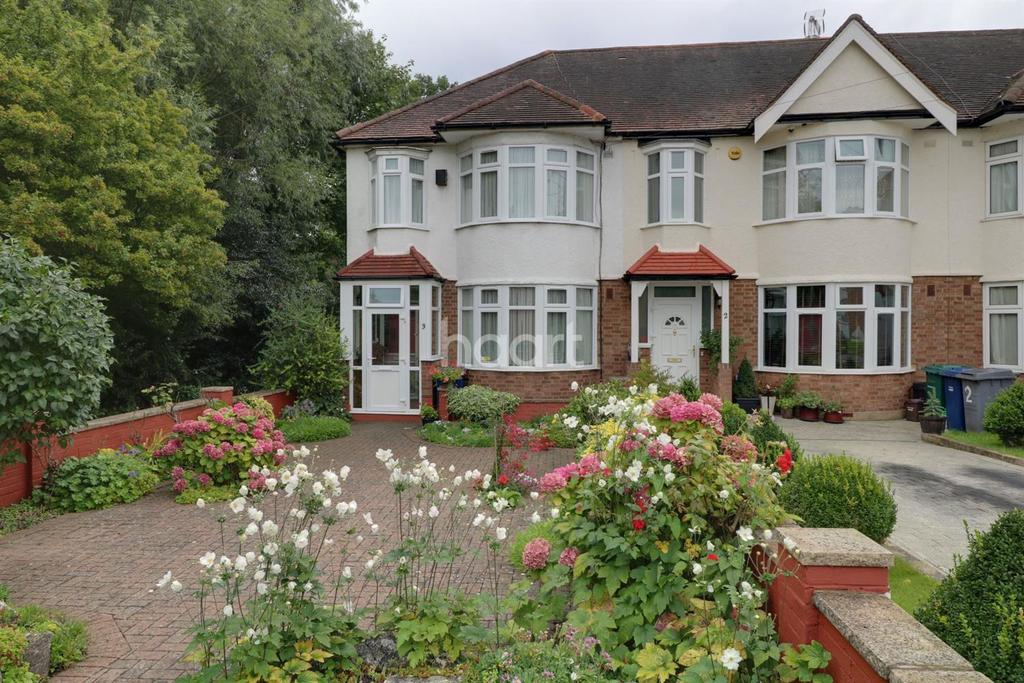 3 Bedrooms Semi Detached House for sale in Bridge Way, New Southgate, N11