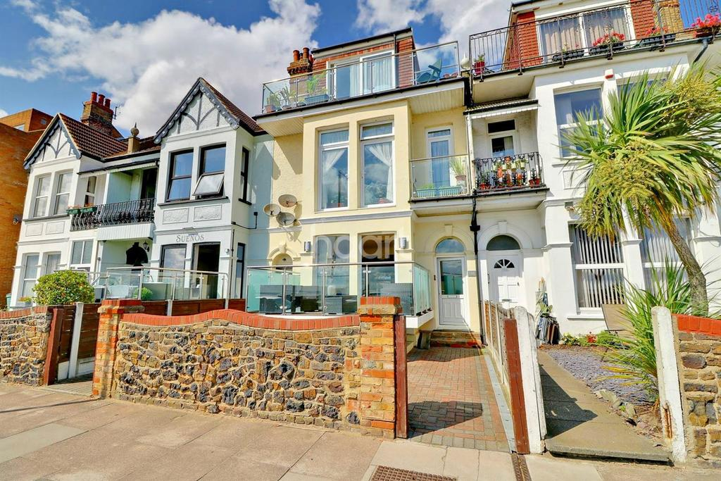 2 Bedrooms Flat for sale in Eastern Esplanade, Southend On Sea