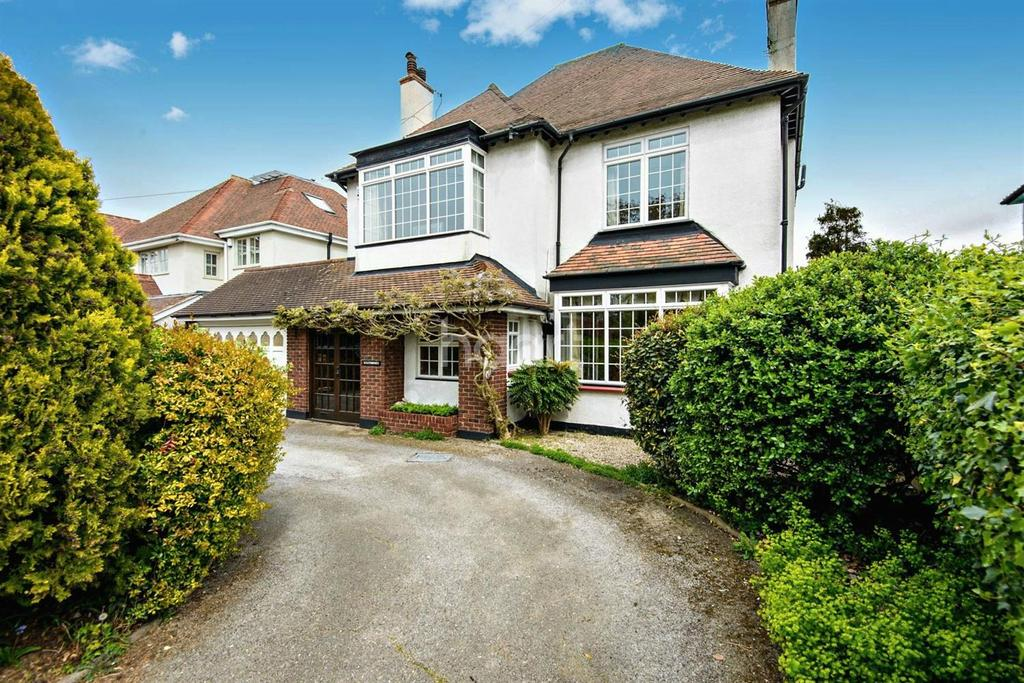 4 Bedrooms Detached House for sale in Thorpe Hall Avenue, Thorpe Bay