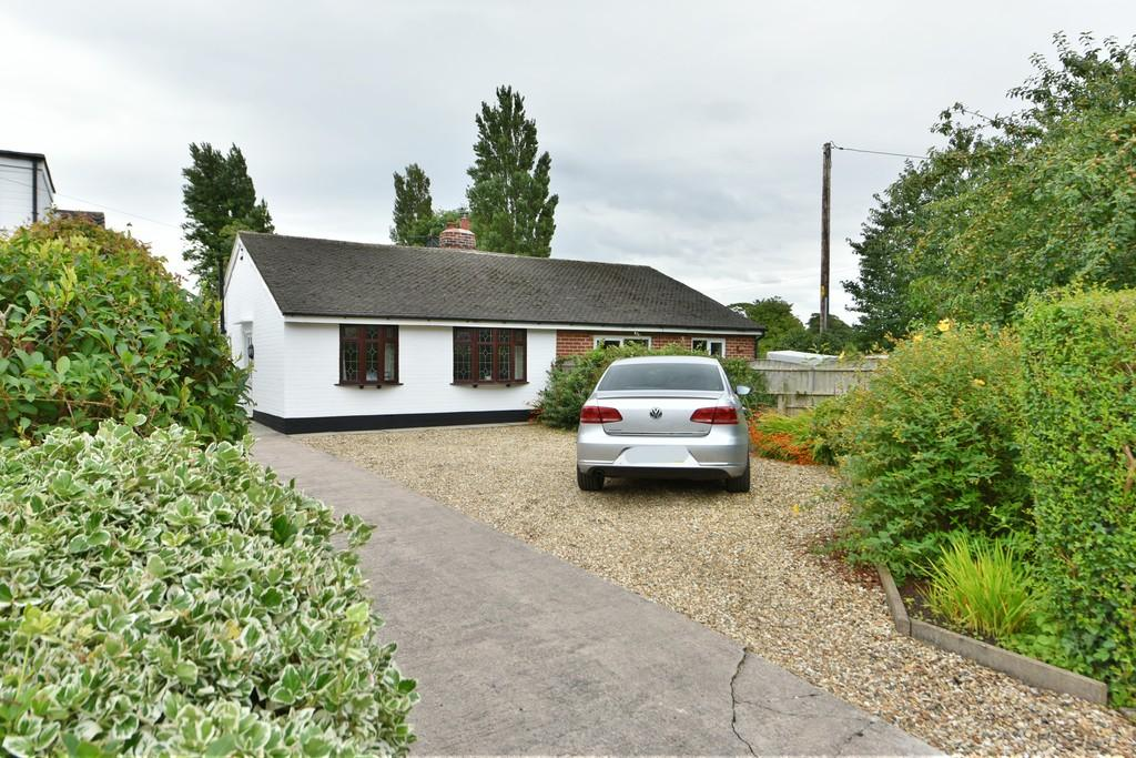 3 Bedrooms Semi Detached Bungalow for sale in New Street, Halsall