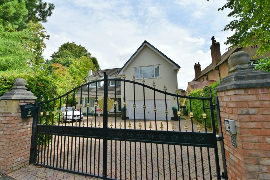 4 Bedrooms Detached House for sale in Granville Park, Aughton