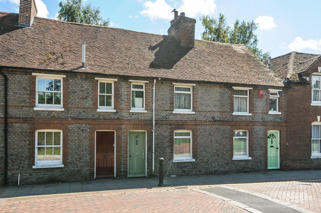 2 Bedrooms Terraced House for sale in Westgate, Chichester